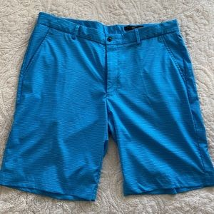 Men's Shorts Greg Norman. Size 36 Turquiose